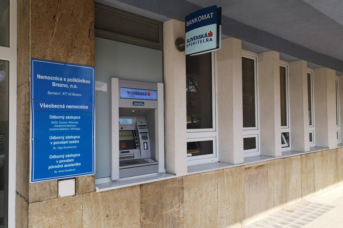 Zrušenie bankomatu SLSP